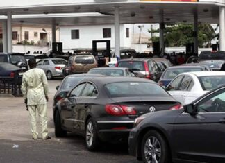 """""""We Will Convert Your Generators And Cars To Run On Gas No Longer Petrol Free Of Charge"""" - FG Promises Nigerians"""
