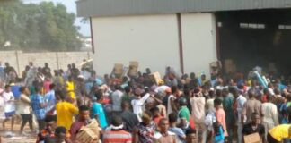 Hoodlums Invade Warehouse In Abuja, Loot Food Items