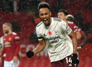 Aubameyang Penalty Gives Arsenal Victory At Old Trafford