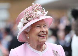 Queen Elizabeth: UK Owes Frontline Workers Debt Of Gratitude